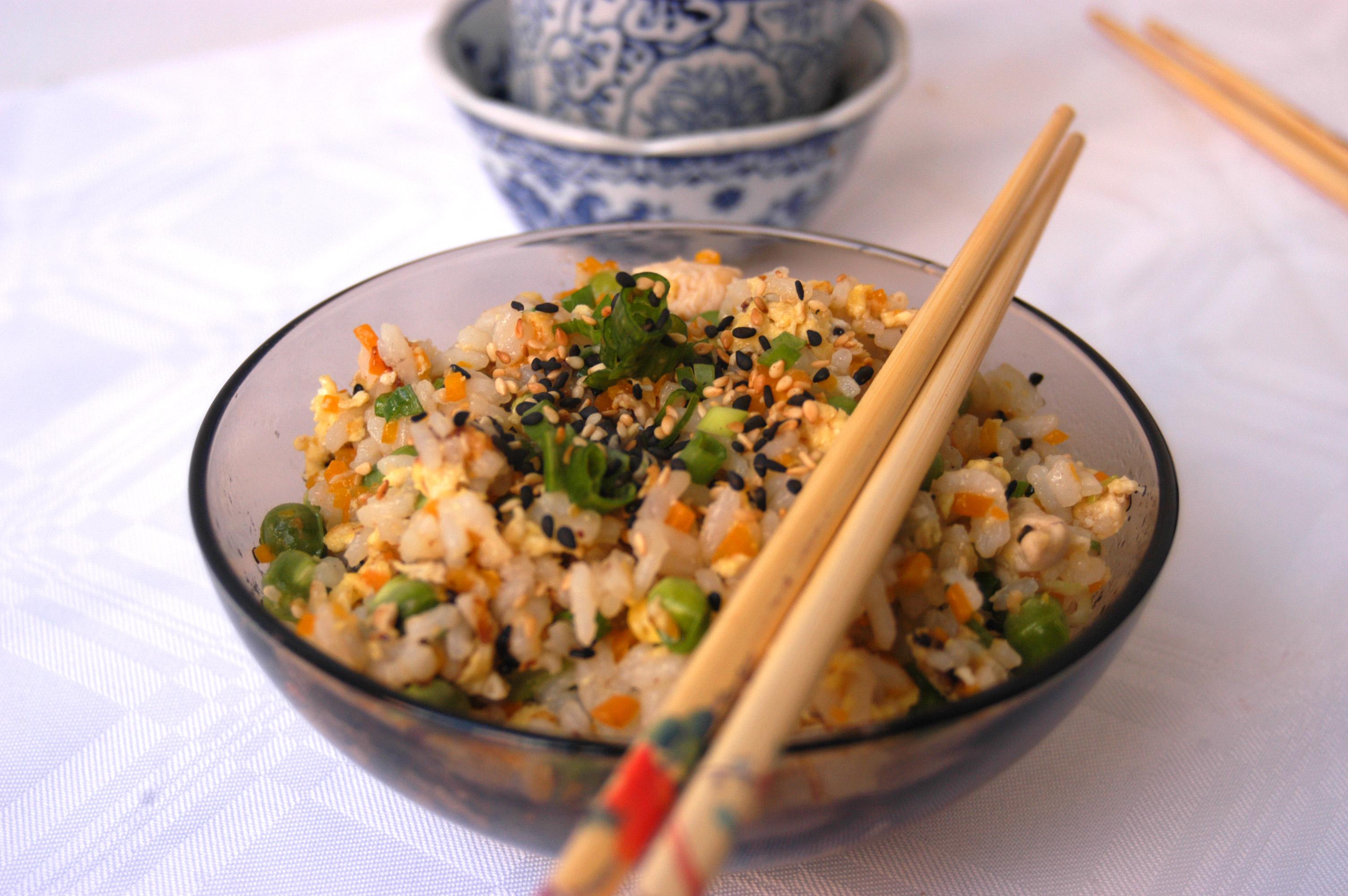 Yakimeshi comida r pida y saludable momentos gastronomicos for Preparar comida rapida